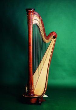 Konzertharfe Debussy 47 Saiten Höhe: ca. 183 cm Gewicht ca. 34 kg